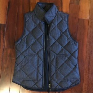 J crew quilted charcoal  vest sz small